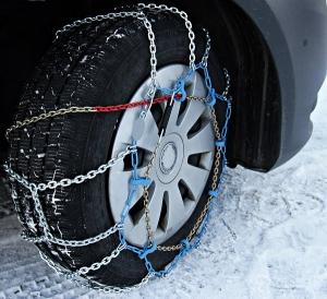 Schneeketten am Auto